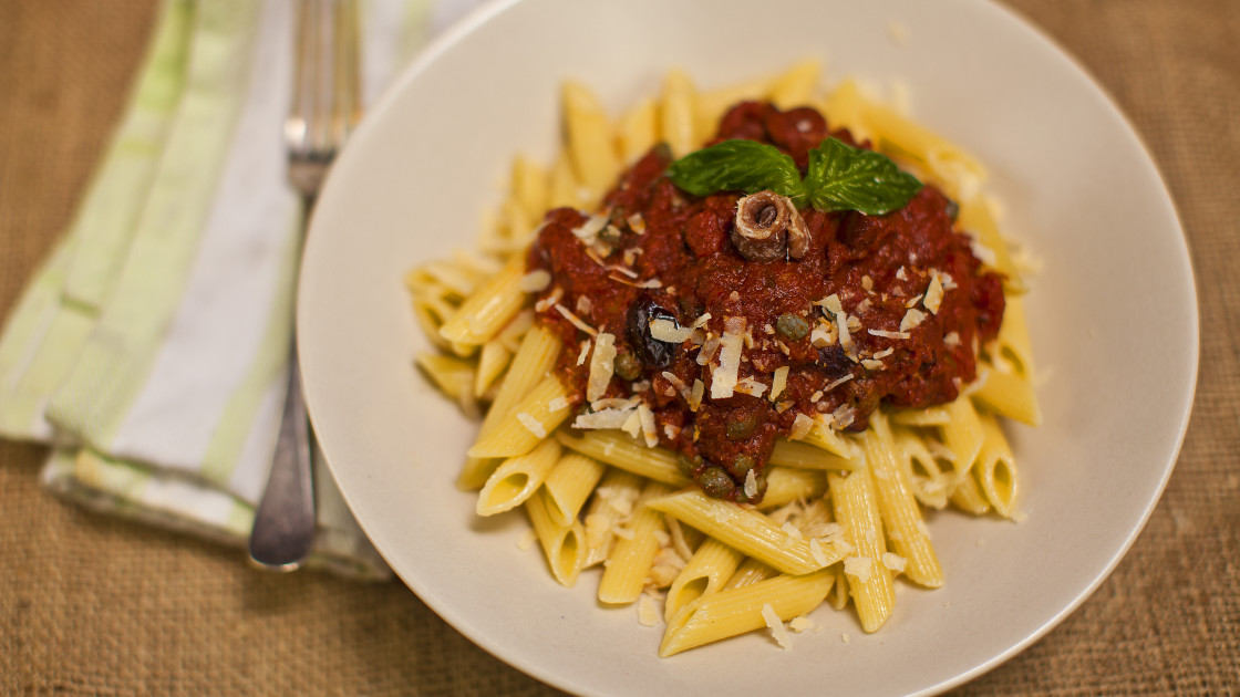 28 vegetarian italian recipes for dinner food republic pasta puttanesca recipe forumfinder Images