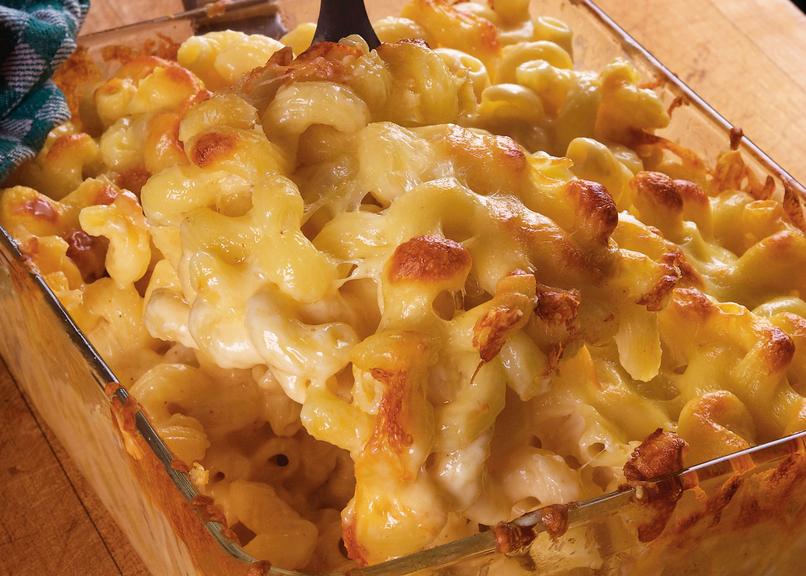 mac cheese Creamy macaroni and cheese casserole is easy to make from scratch sharp cheddar & loads of cheesy sauce make this my favorite cream mac and cheese recipe.