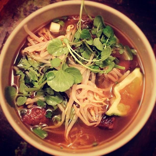 Making asian noodle