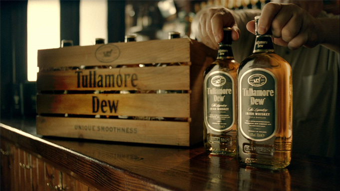 10 Irish Whiskeys To Try Right Now