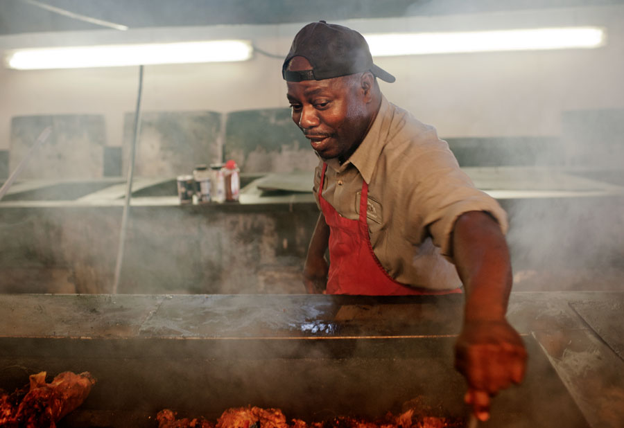 mastering whole hog cookery at the southern foodways