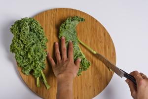 De-stem the kale