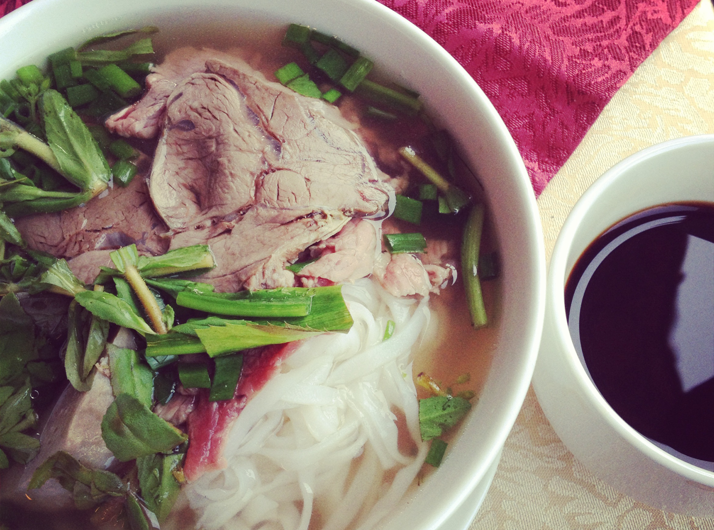 How To Eat A Bowl Of Pho Like You Know What You Re Doing