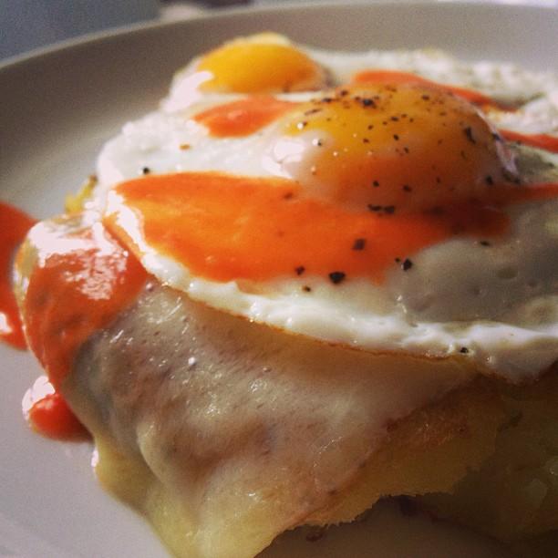 Smashed Potato Bomb With Fried Eggs