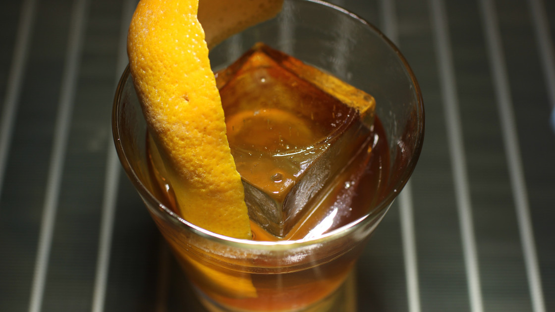 A Cool Spin On The Old Fashioned Saw Tooth Tail Recipe