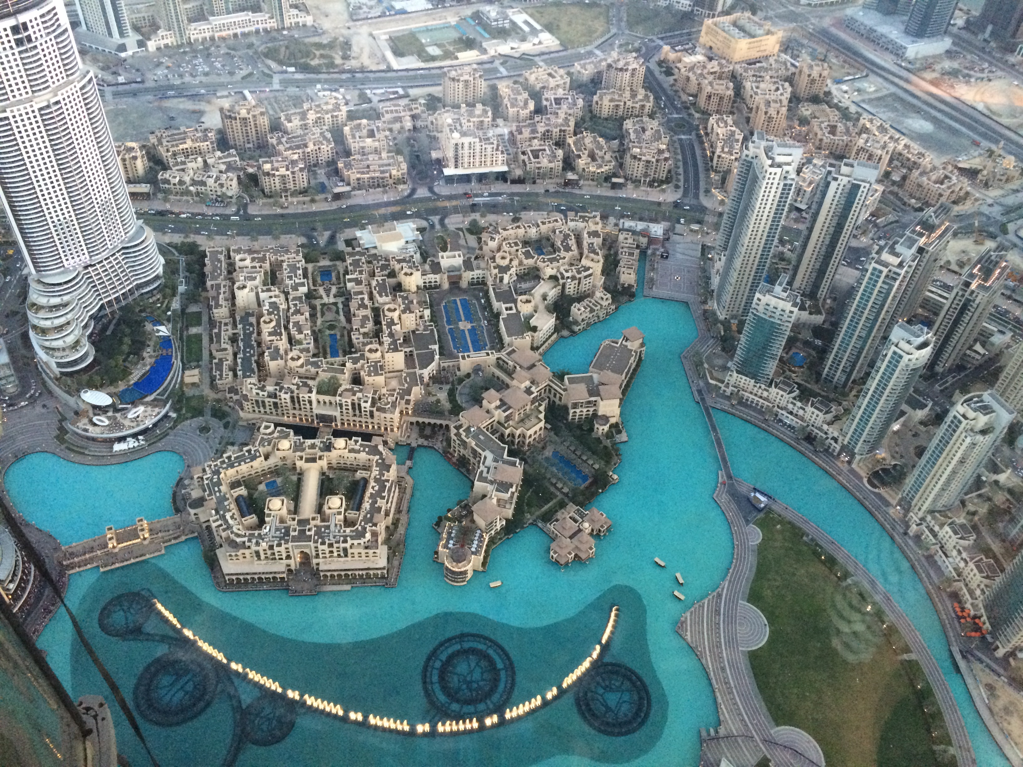 What To Order At The World S Tallest Hotel Bar An