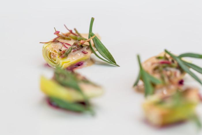 Castraura di Mazzorbo, rapa rossa, emulsione di teste di scampi, salicornia e salsola soda - Photo ©Mattia Mionetto