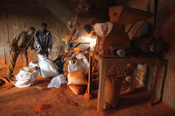 Men at a berbere mill (Photo: Addis Eats)
