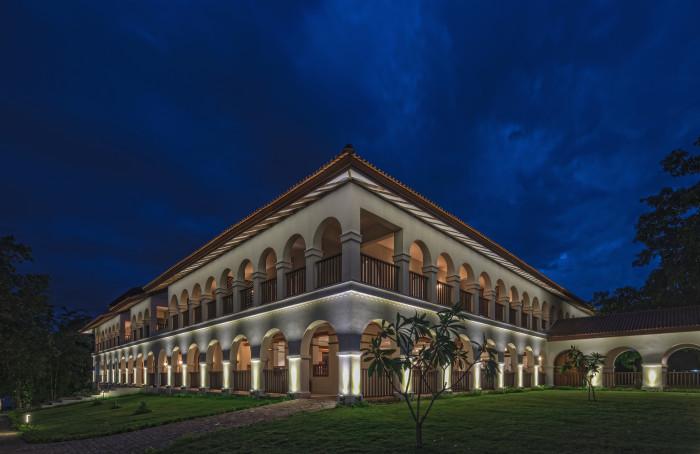 sanctum-facade-14-2