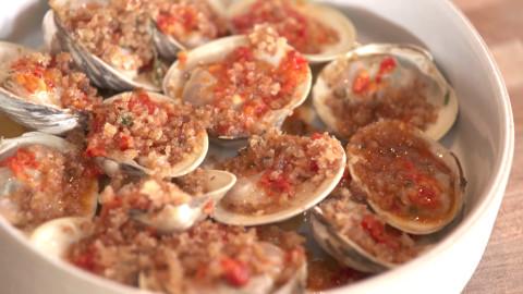 Lilia clams photo missy robbins