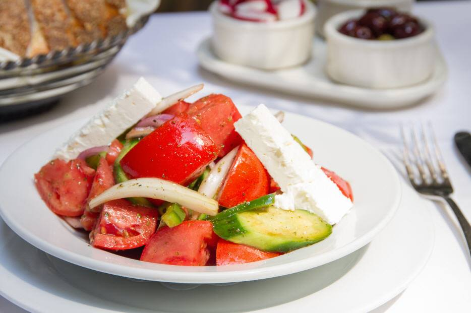 What Is In A Traditional Greek Salad?