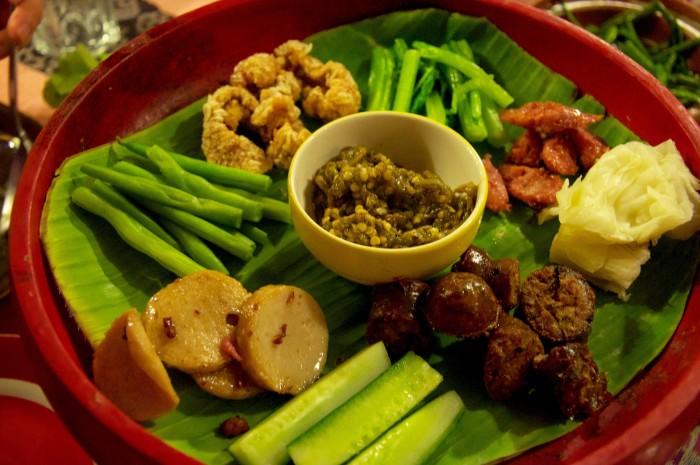 Moo yor on the lower left hand corner of a northern Thai platter.