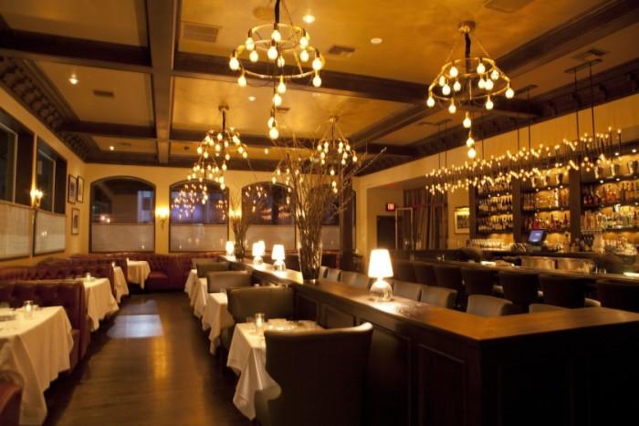 LA-Crossroads-Vegan-Interior-Dining-Room-