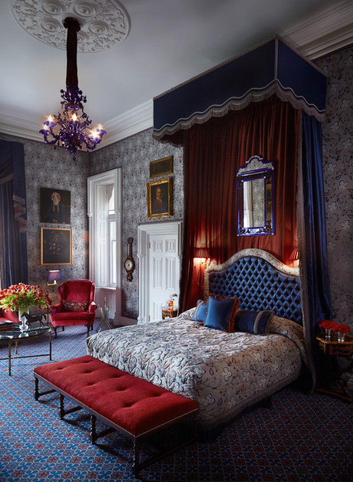 Ashford_Castle_room2_from_Ashford_Castle