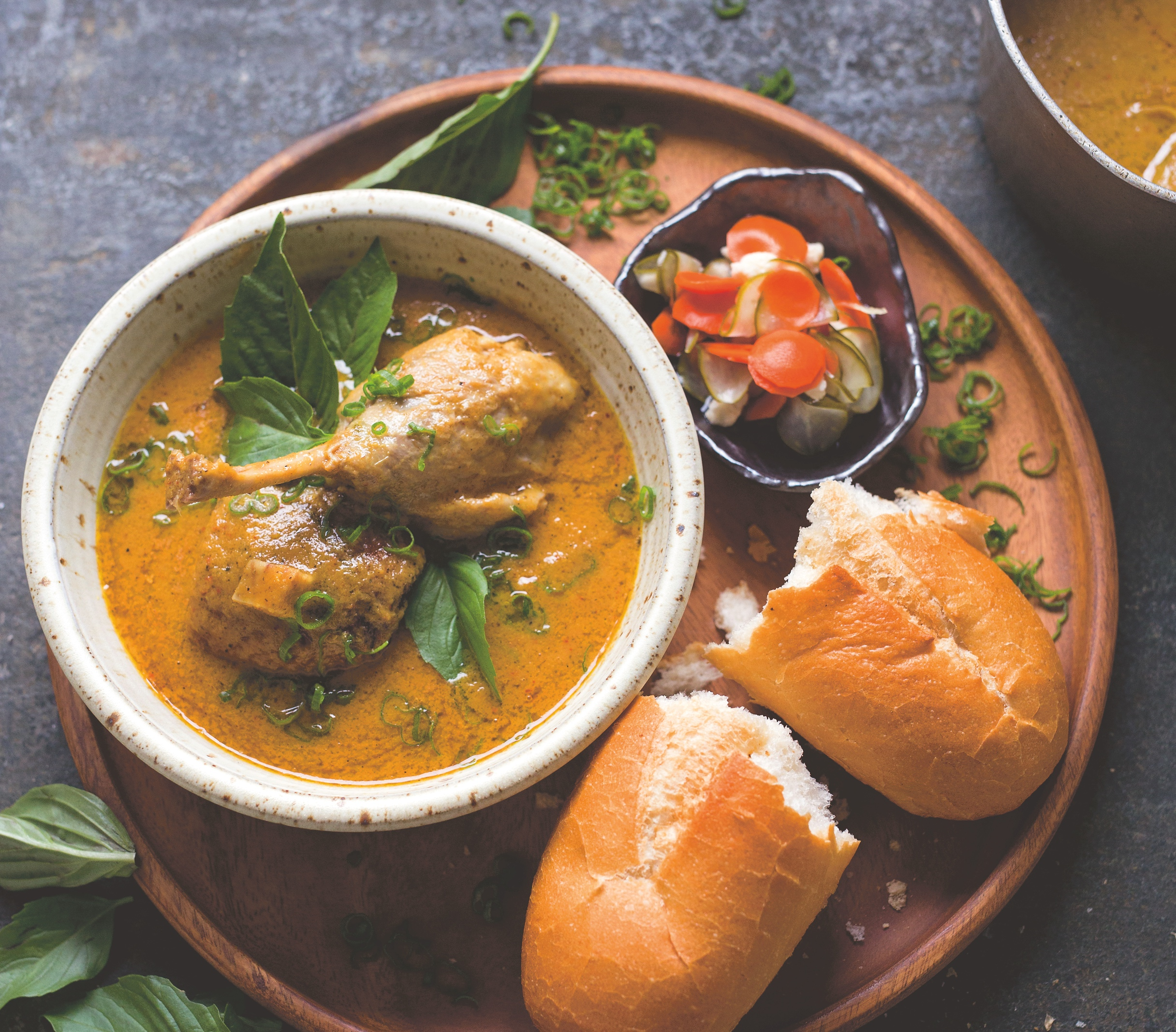 Serve This Vietnamese Duck Curry With Crusty Bread - Food Republic