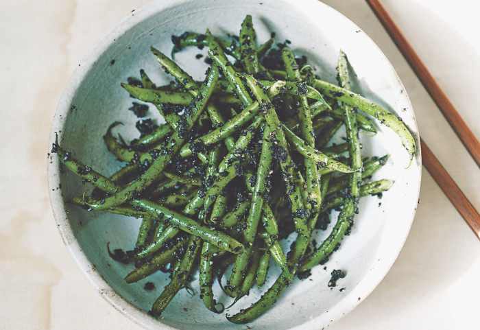 Green Beans With Black Sesame